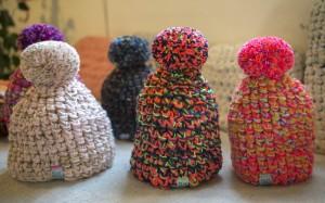 13 Coloridos gorros tejidos (11)