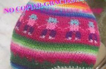13 Coloridos gorros tejidos (13)