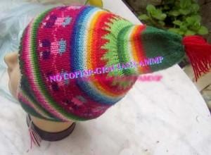 13 Coloridos gorros tejidos (5)