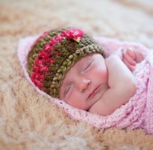 12 Gorros tejidos para recién nacidos (1)