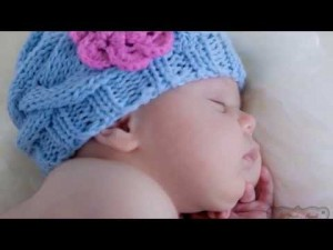 12 Gorros tejidos para recién nacidos (6)