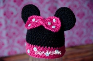 12 Bonitos gorros tejidos de Minnie mouse (7)