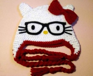 9 Bellos gorros tejidos al crochet de kitty (10)