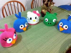 9 Bellos gorros tejidos al crochet de kitty (7)