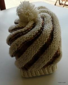 9 Bonitos gorros tejidos con agujas (9)
