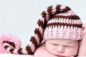 10 gorros tejidos para recién nacidos