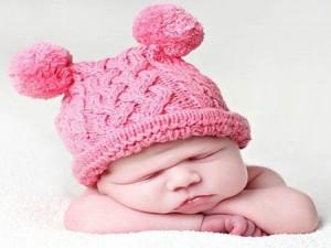 10 gorros tejidos para recién nacidos (4)